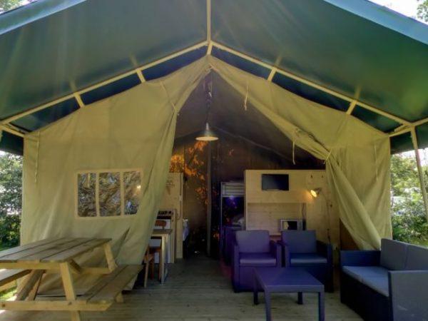 Kampeerdorp-De-Zandstuve-safaritent
