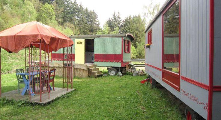 Kleurrijke Woonwagens in Houffalize