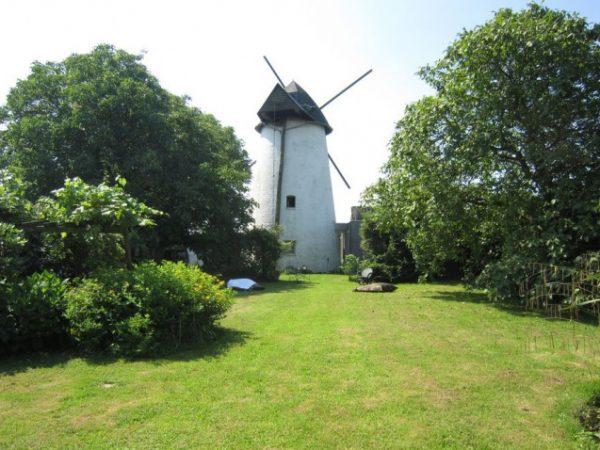 Oude windmolen in Oost-Vlaanderen