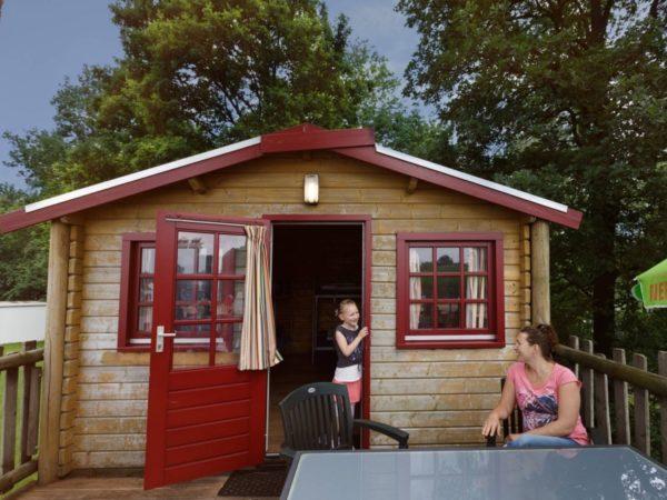 boomhutovernachting-vakantiepark-dierenbos-noord-brabant-3