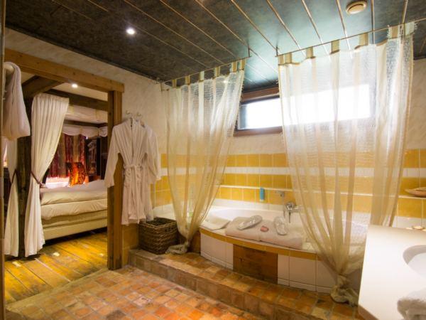 hotelkamer-jacuzzi-hotel-de-stokerij1