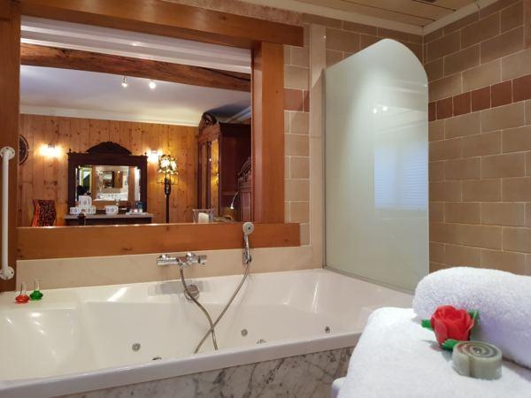 hotelkamer-jacuzzi-hotel-de-stokerij14