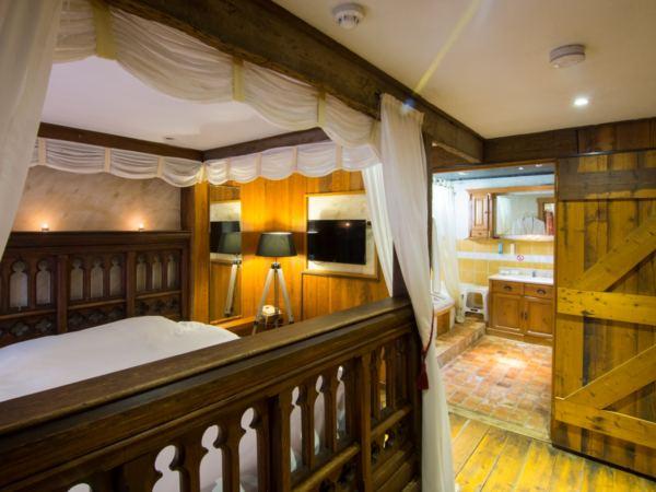 hotelkamer-jacuzzi-hotel-de-stokerij5