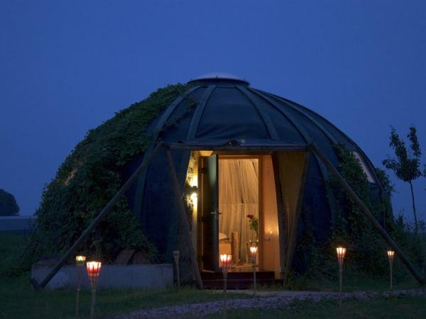 slapen-in-een-iglo-groningen2