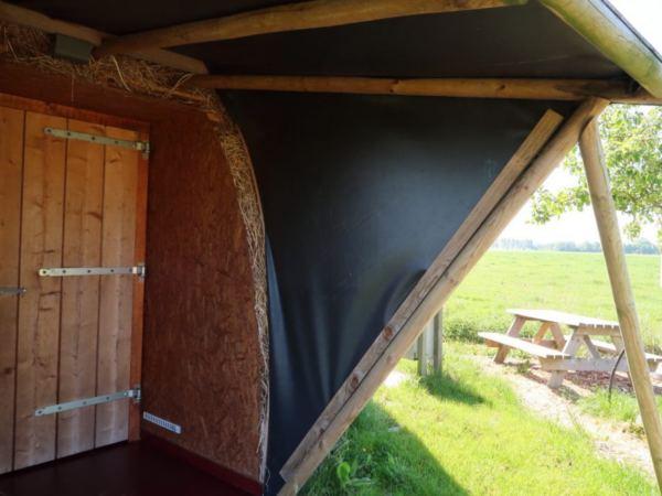 slapen-in-een-iglo-groningen3
