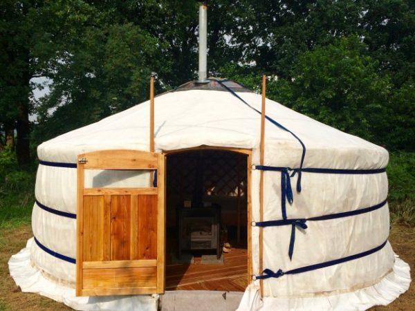 Yurt op natuurcamping
