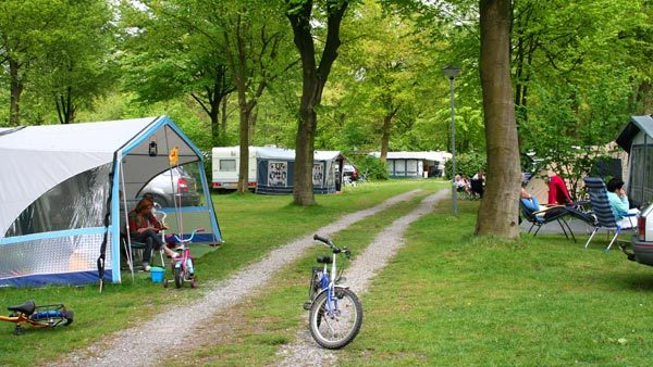 kampeerplaatsen-bosbad-hoeven-camping-top-10