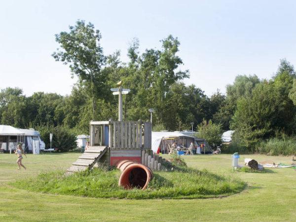 kamperen-aan-het-water