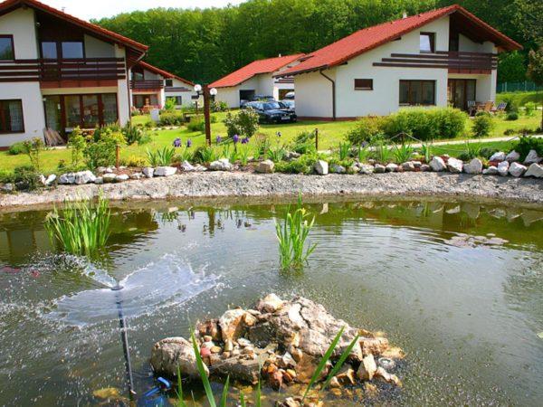 Hongarije-Villapark-Vargesztes-parktuin