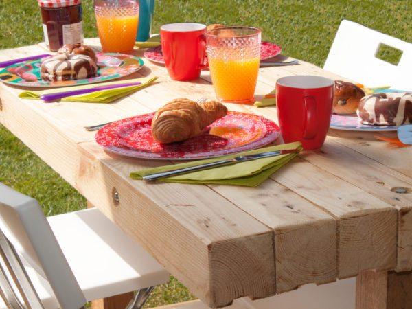 Ontbijten op het overdekte veranda