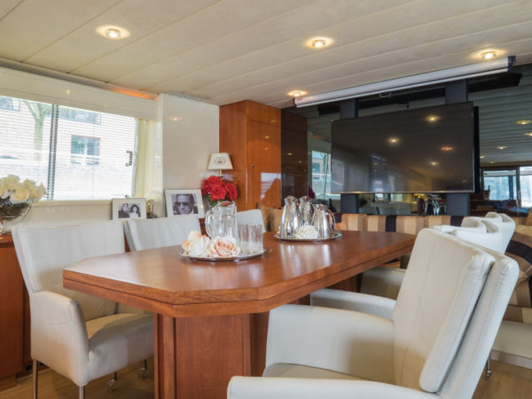 Onassis-yachthotel-rotterdam