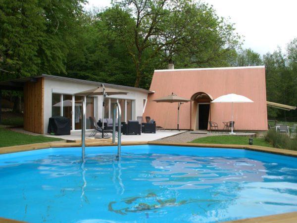 zwembad-bijzonder-overnachten-frankrijk