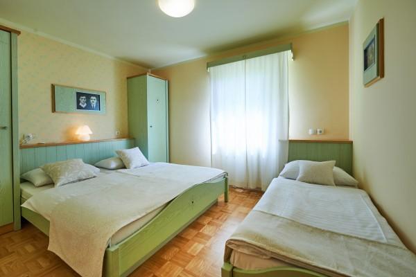 zwemparadijs-in-sloveense-camping-hotel