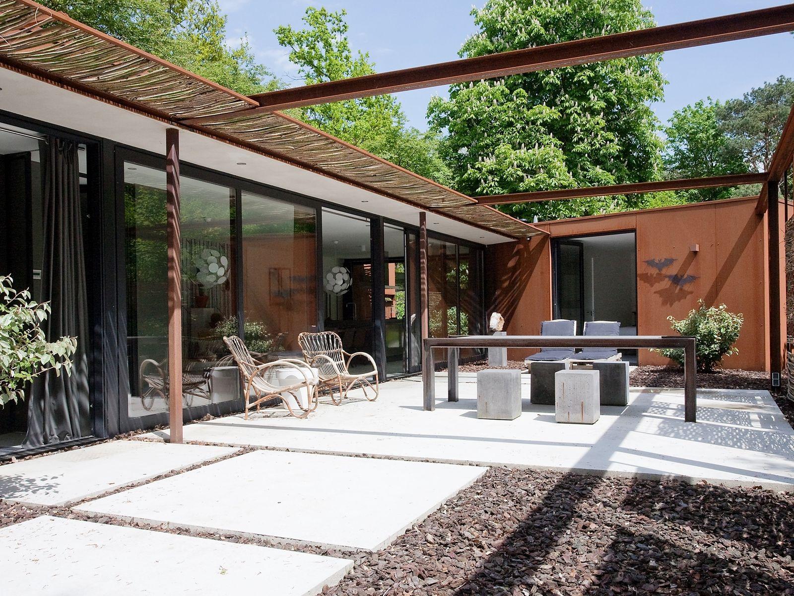 Supertrips - Stalen boshuis – Designvilla Brabant