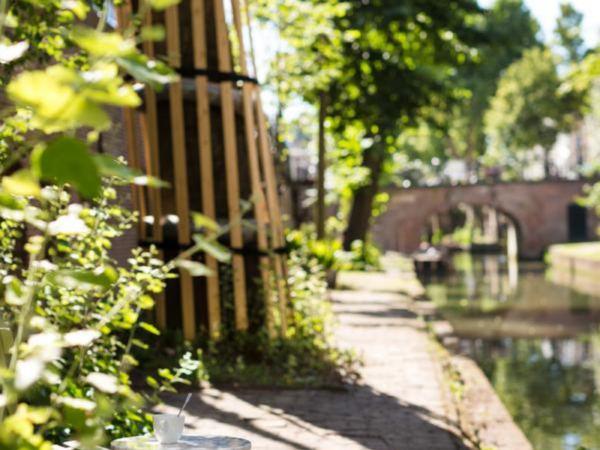 overnachting-aan-de-gracht-in-Utrecht12