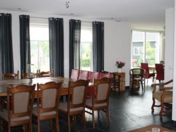 groepsaccommodatie-luxe-vakantievilla-zeeland4