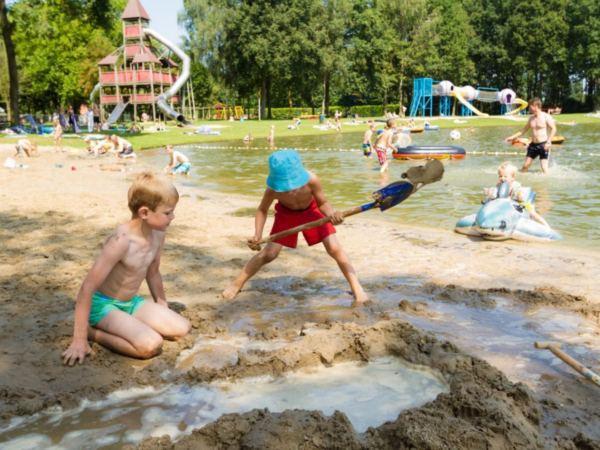 Vakantiepark-Limburg-groepsaccommodatie-bungalow9