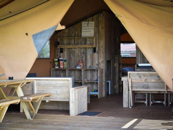 Overnachten-in-een-safaritent-aan-de-vleterbeke10