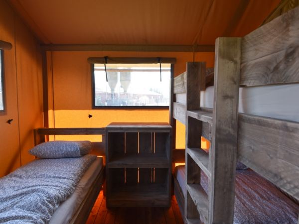 Overnachten-in-een-safaritent-aan-de-vleterbeke16