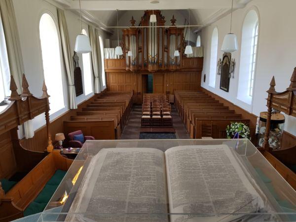 bijzondere-overnachting-in-een-kerk2