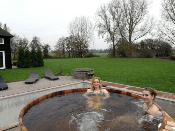 Luxe-groepsaccommodatie-met-zwembad-in-utrecht8