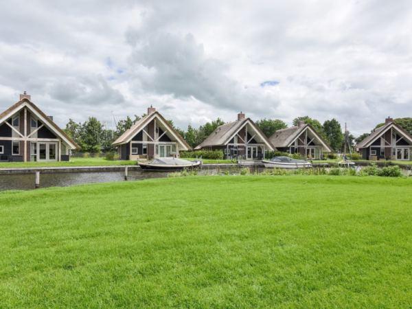 groepsaccommodatie-friesland-aan-het-water-16-personen-8