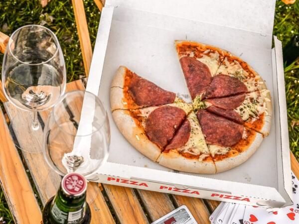 vakantiepark-met-pizza