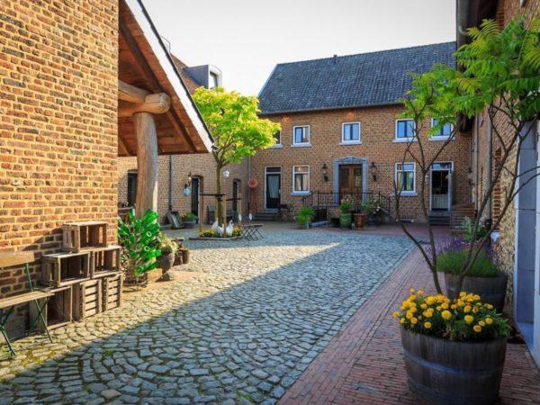 luxe-groepsaccommodatie-met-zwembad-in-limburg4