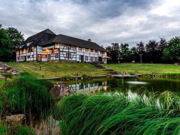luxe-groepsaccommodatie-met-zwembad-in-limburg5