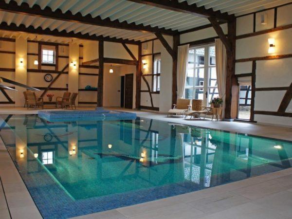 luxe-groepsaccommodatie-met-zwembad-in-limburg7