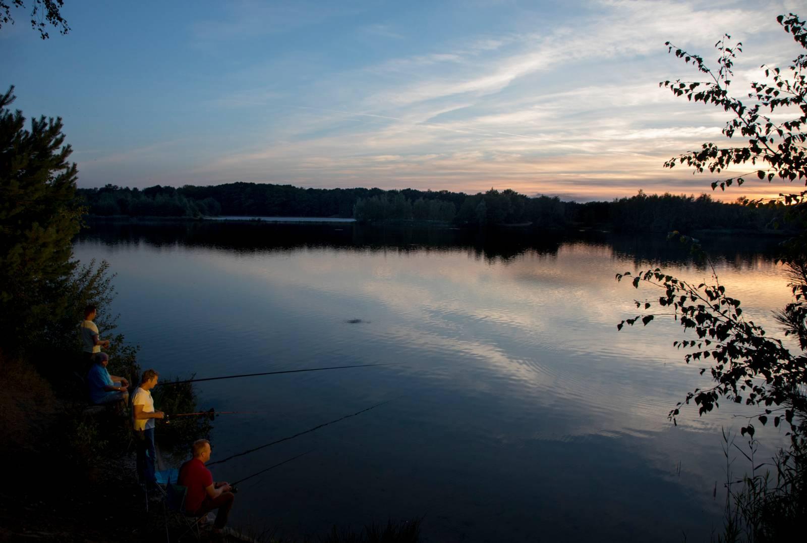 huisje aan het water om te vissen