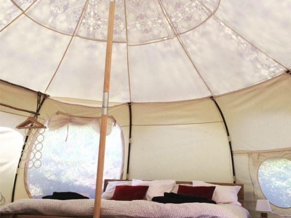 bijzonder-overnachten-in-een-tent-adega-antiga-3