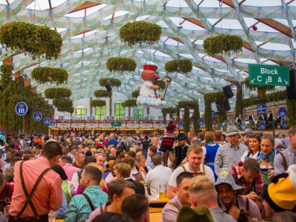 oktoberfest-in-munchen-stoke-travel-7