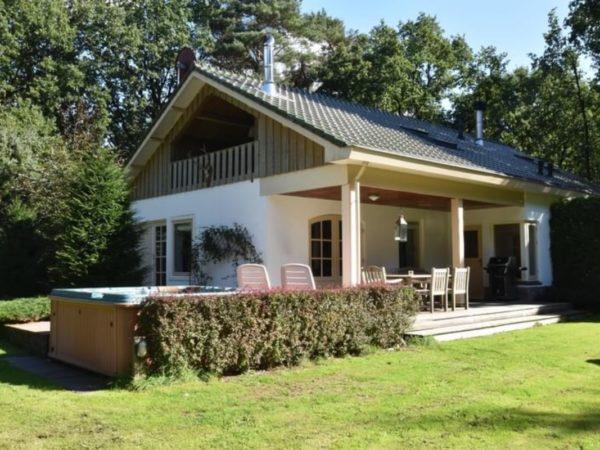 Villa in Garderen