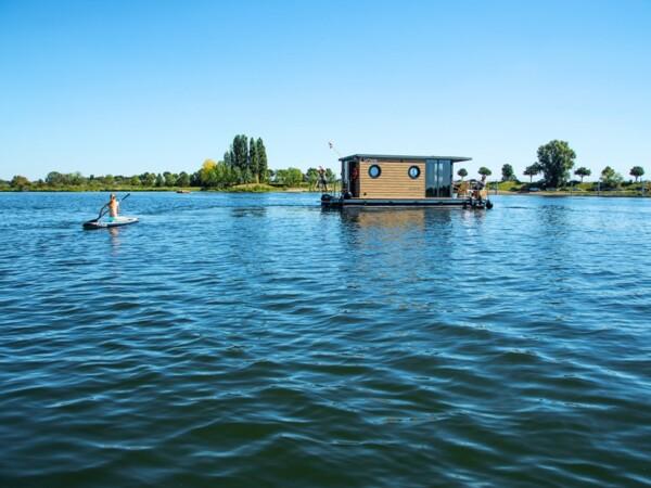 slapenslapen-op-het-water-otter-house-boats-3-op-het-water-otter-house-boats-3