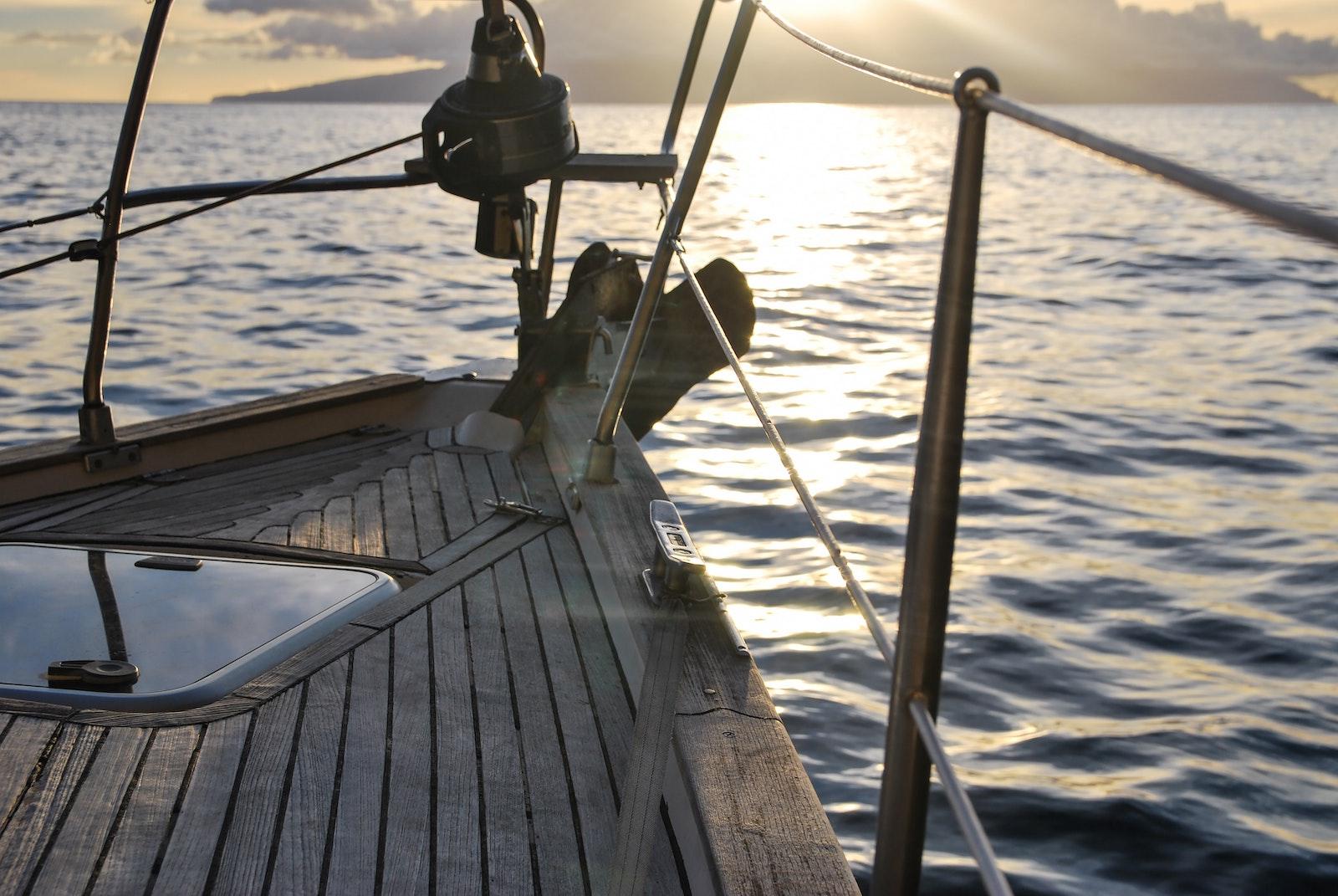 Supertrips - Zeilboot Jaab – Aan de Waterspiegel