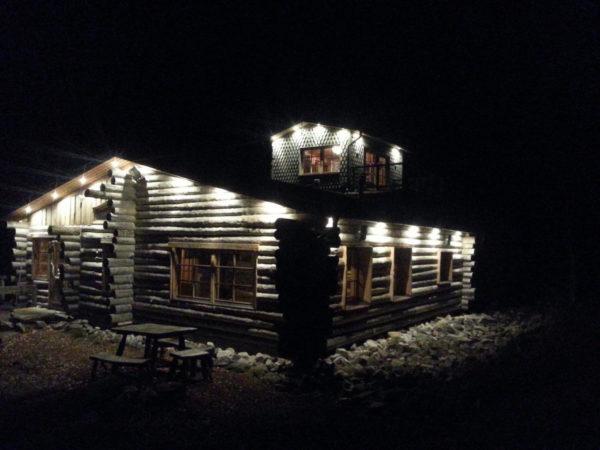 finland-lapland-natuurhuisje-avond-lodge