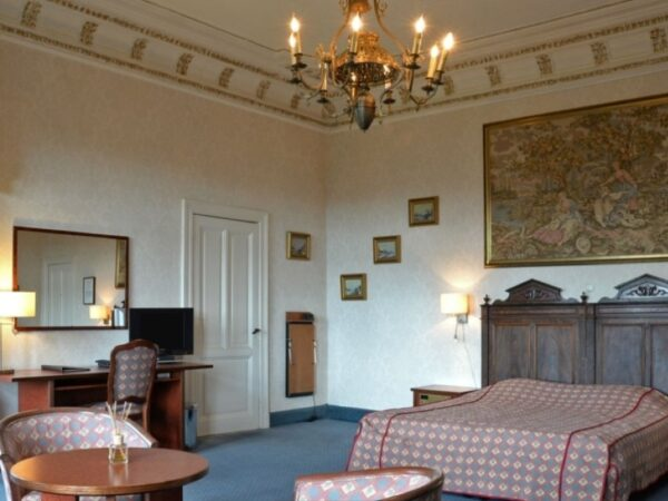 luxe-kamer-groot-bed-nederland