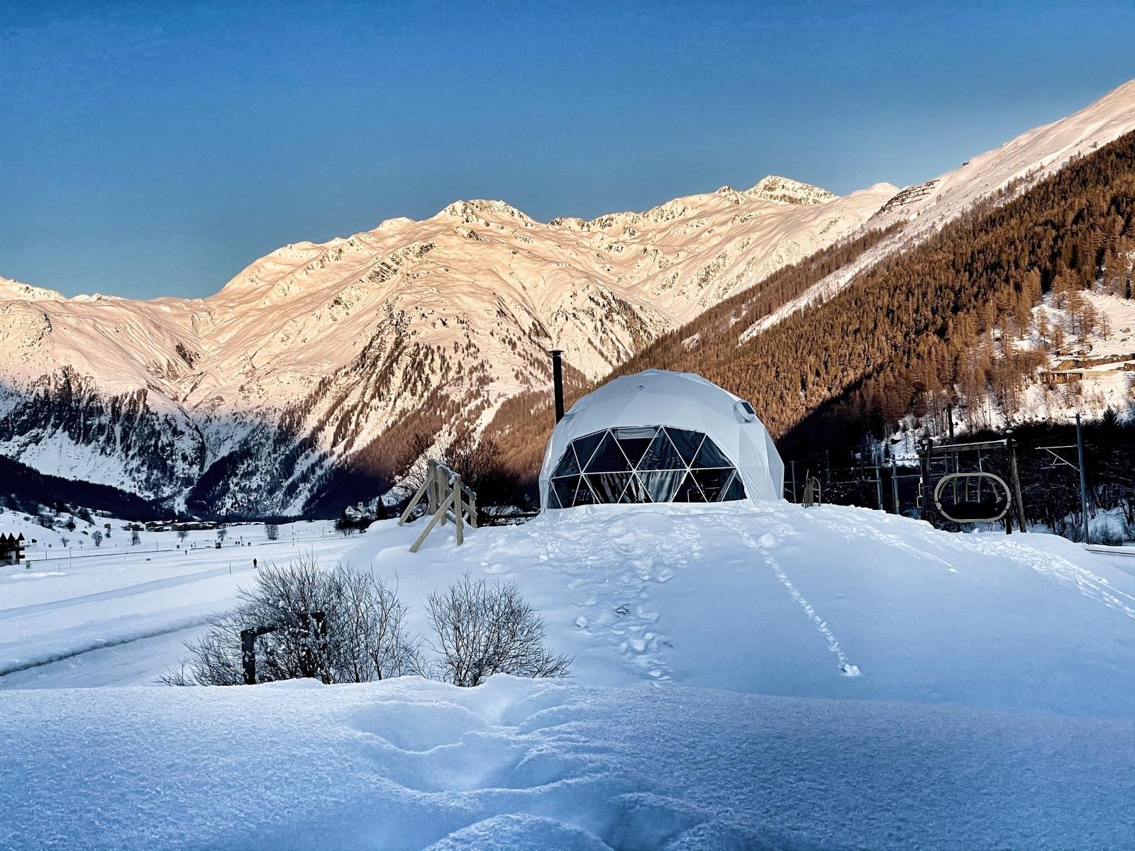 Supertrips - Slapen in een iglo in Zwitserland