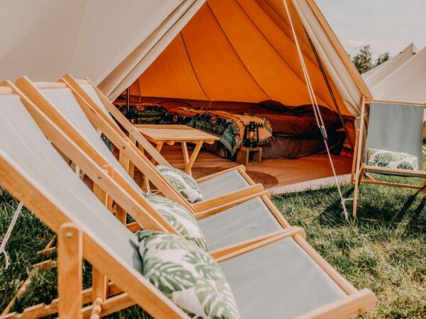 Belltent-luxe-bijzondere-overnachting-camping-voor-gezin4