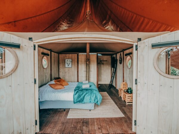 Dormer-cabin-luxe-overnachting-camping-nederland