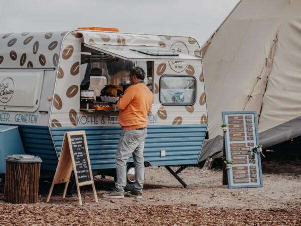 https://supertrips.nl/wp-content/uploads/2021/04/appeltern-glamp-outdoor-camp-6-1.jpg