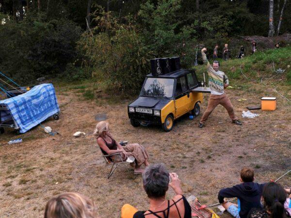 camping-met-theater-animatie