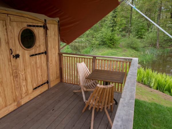 eigen-terras-vakantiehuisje-camping-glamping