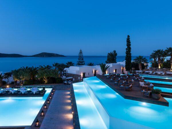 luxe-hotel-met-infinity-pool
