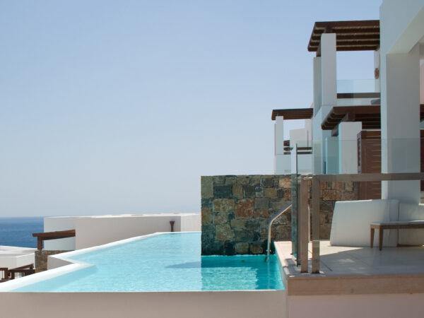 luxe-hotel-met-zwembad