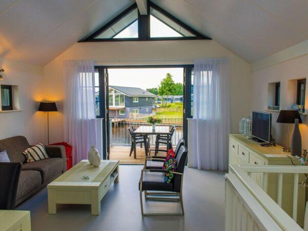 luxe-vakantiehuis-sloep-huren