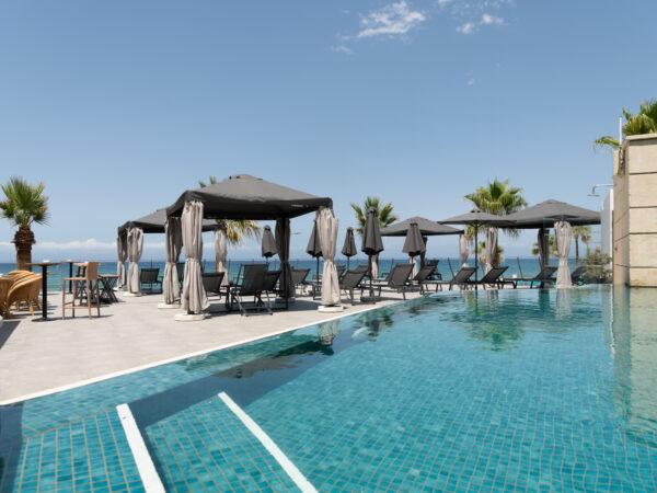 super-de-luxe-hotel-griekenland