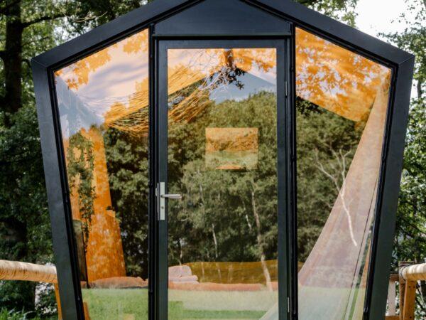 bell-tent-met-hottub